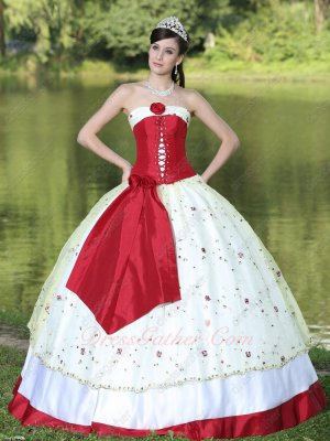 Front Shoelace Embellish White Floral Flat Lace Quinceanera Gown Wine Red Details
