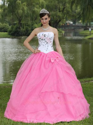 Embroidery Upper Part Basque Quinceanera Gowns Rose Pink Skirt With Bowknot