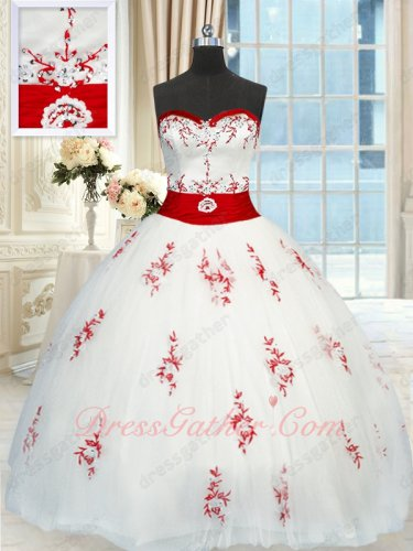 Pure White Dress With Red Embroidery Quinceanera C'est Quoi Spanish Girl Brand New