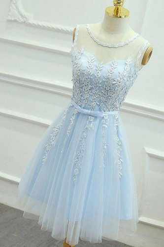 Scoop Keyhole Back Baby Blue Short Prom Dress With Narrow Sash