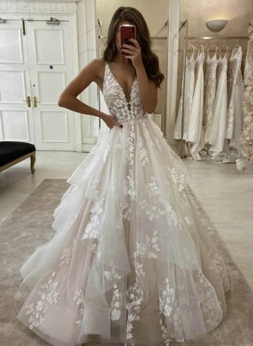 Graceful Deep V Shaped Cascade Ruffles Designer Wedding Bridal Gown With Applique