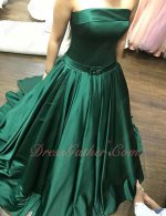 Full Size Custom A-line Hunter Green Fitted Evening Dress Strapless Bordure