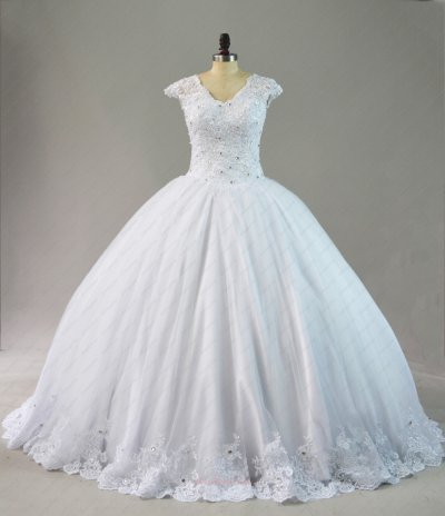 Affordable White Falt Wedding Ball Gowns Puffy With Lace Hemlines