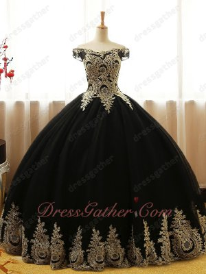 Off Shoulder Black Tulle Gold Appliques Decorate Evening Party Ball Gown Beautiful