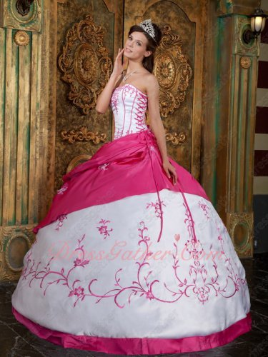 Strips Girdling V-Shaped Waist Embroidery Western Quinceanera Dress White and Fuchsia