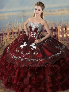 Old Fashion Embroidery Horse Overlay Western Theme Quinceanera Ball Gown Burgundy
