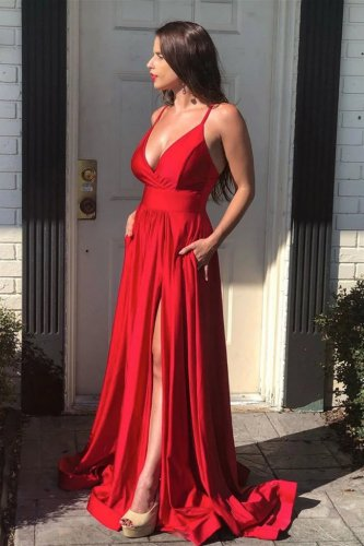 Flattering Scarlet Plump Lady Host Pageant Dress Evening Gown Pockets and Slit