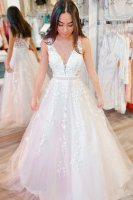 Genteel A Line V-Neck White Appliques Formal Prom Dress with Beaded Belt