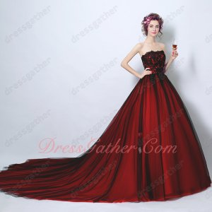 Classical Black and Red Matching Quince Her Court Dresses 2019 Girls Wear Chapel Train