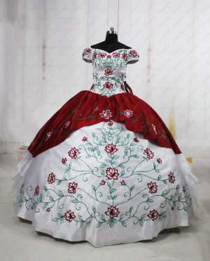 Vintage Weatern White & Wine Red Court Palace Ball Gown Embroiedry Details