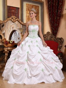 Memorable White Taffeta Prom Ball Gown With Spring Green Details