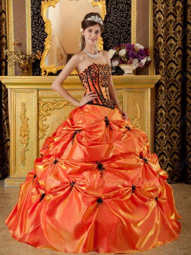 Bright Orange Lines V-Shaped Basque Vintage Quinceanera Dress With Black Embroidery